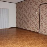 アクセントクロスを入れた部屋です。ちょっと花柄で派手目にしてみました。